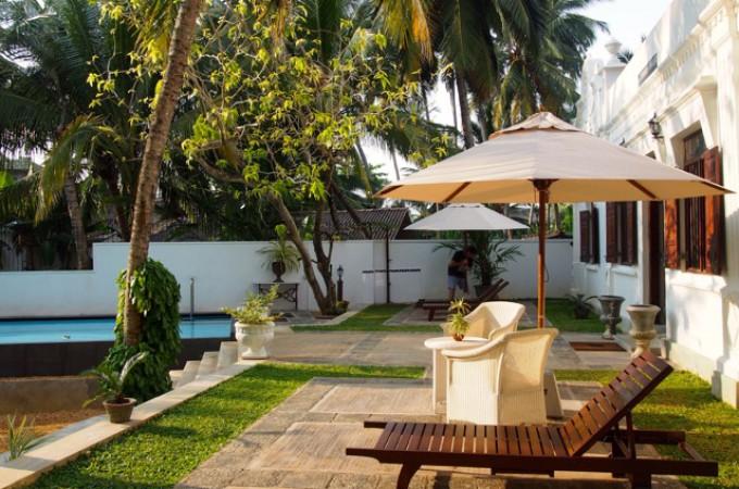 Pool veranda